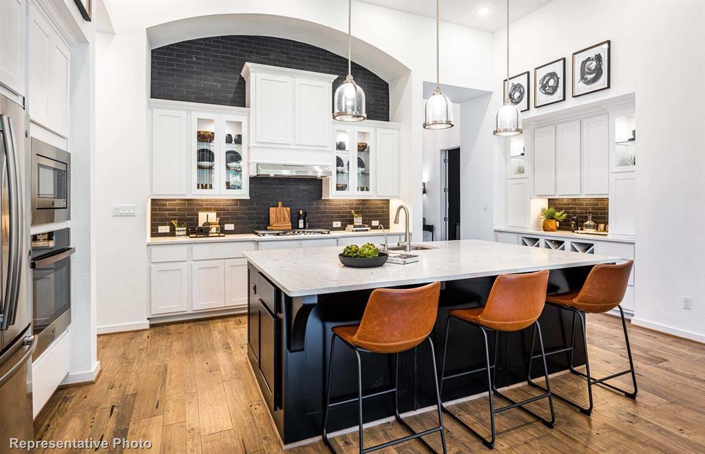 Sold Property | 1616 Viridian Park  Lane Arlington, TX 76005 2