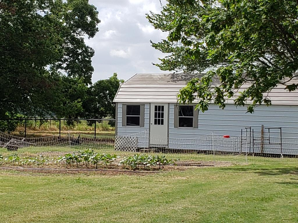 Active | 400 Graham Grove  Road Collinsville, TX 76233 5