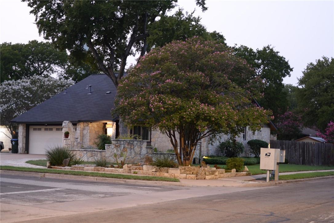 Pending   11600 Show Barn  Cove Austin, TX 78750 40