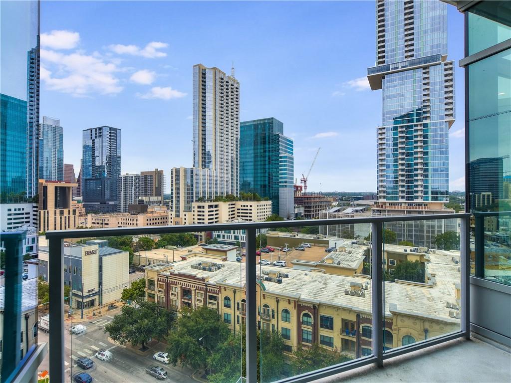 Active | 501 West  Avenue Austin, TX 78701 6