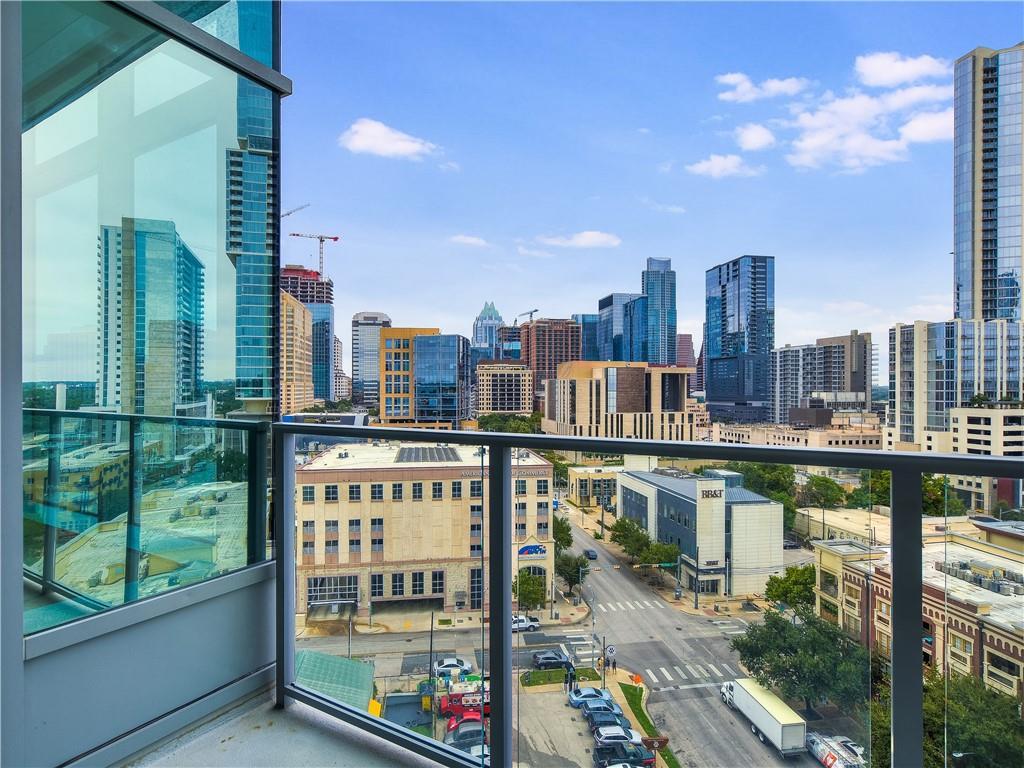 Active | 501 West  Avenue Austin, TX 78701 7