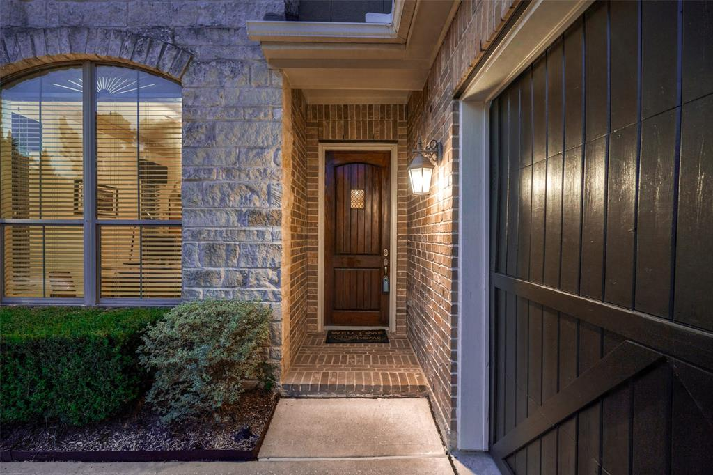 Pending | 66 Mill Point Place The Woodlands, Texas 77380 1