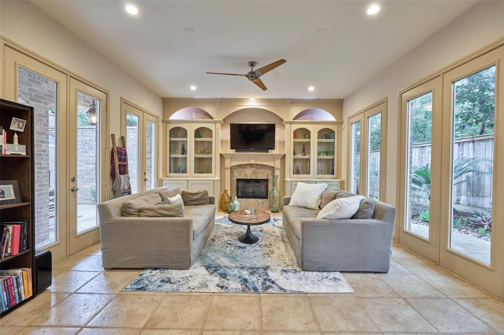 Pending | 66 Mill Point Place The Woodlands, Texas 77380 10