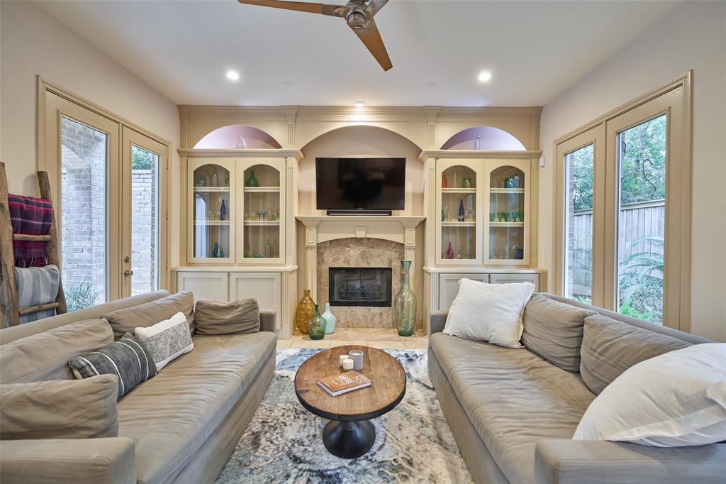 Pending | 66 Mill Point Place The Woodlands, Texas 77380 11