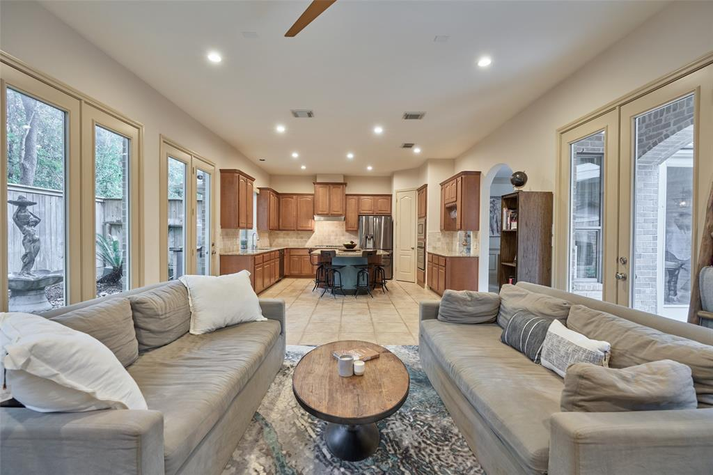 Pending | 66 Mill Point Place The Woodlands, Texas 77380 13