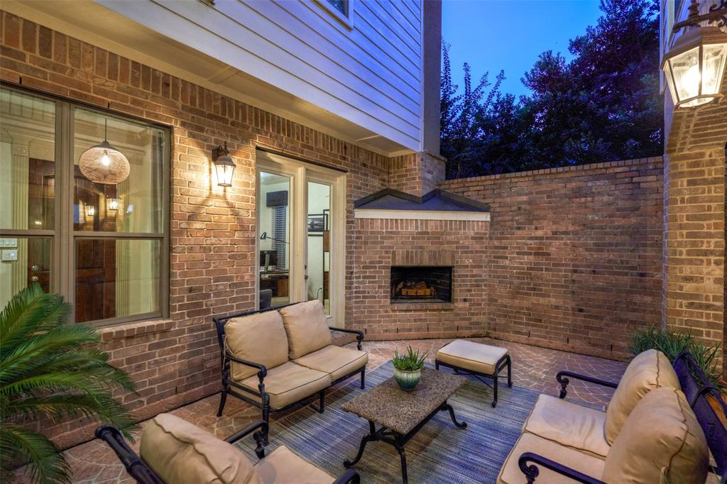 Pending | 66 Mill Point Place The Woodlands, Texas 77380 19