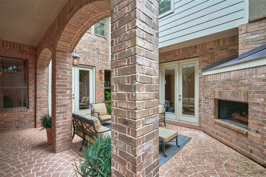 Pending | 66 Mill Point Place The Woodlands, Texas 77380 20