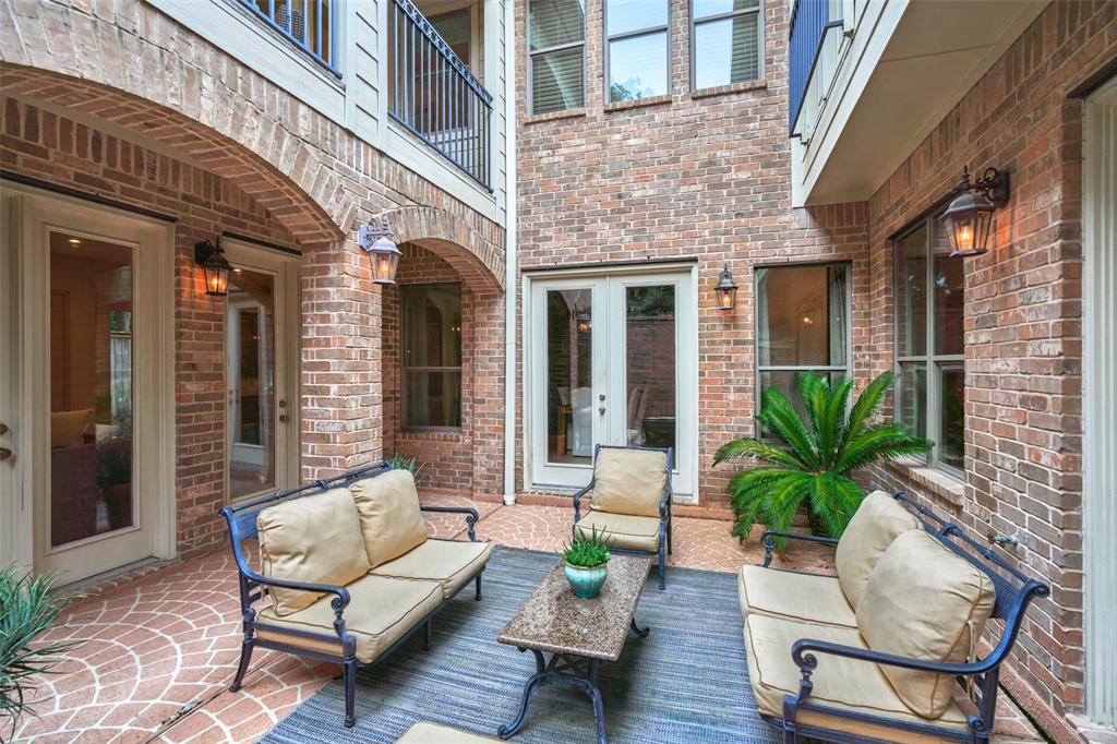 Pending | 66 Mill Point Place The Woodlands, Texas 77380 21