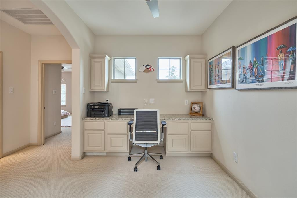 Pending | 66 Mill Point Place The Woodlands, Texas 77380 33