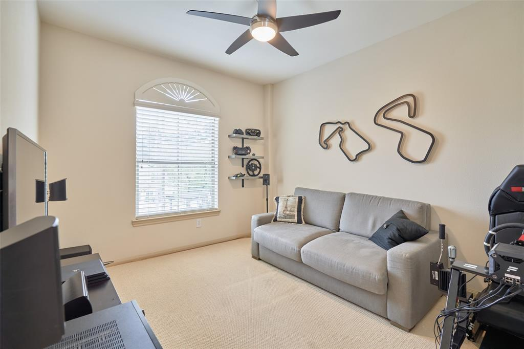 Pending | 66 Mill Point Place The Woodlands, Texas 77380 34