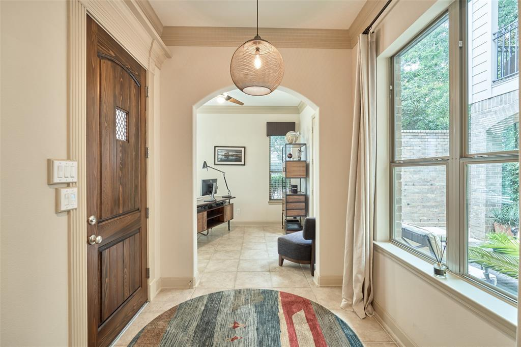 Pending | 66 Mill Point Place The Woodlands, Texas 77380 4
