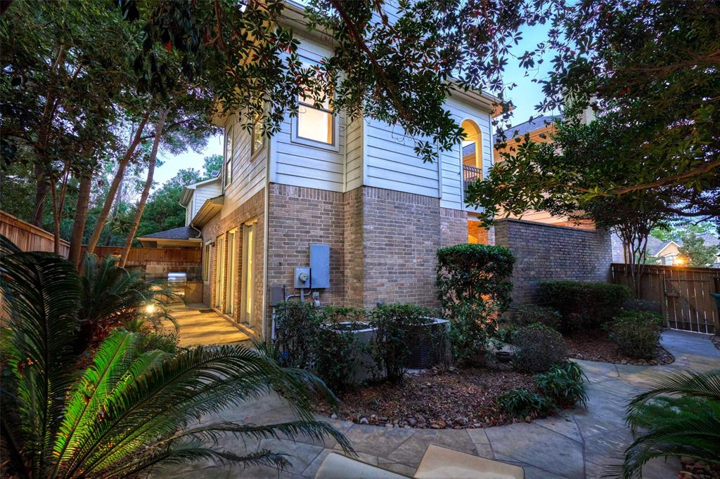 Pending | 66 Mill Point Place The Woodlands, Texas 77380 41