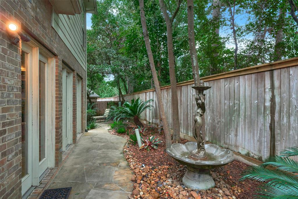 Pending | 66 Mill Point Place The Woodlands, Texas 77380 43
