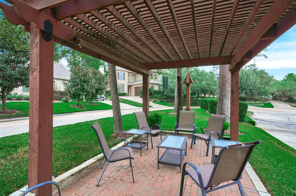 Pending | 66 Mill Point Place The Woodlands, Texas 77380 44