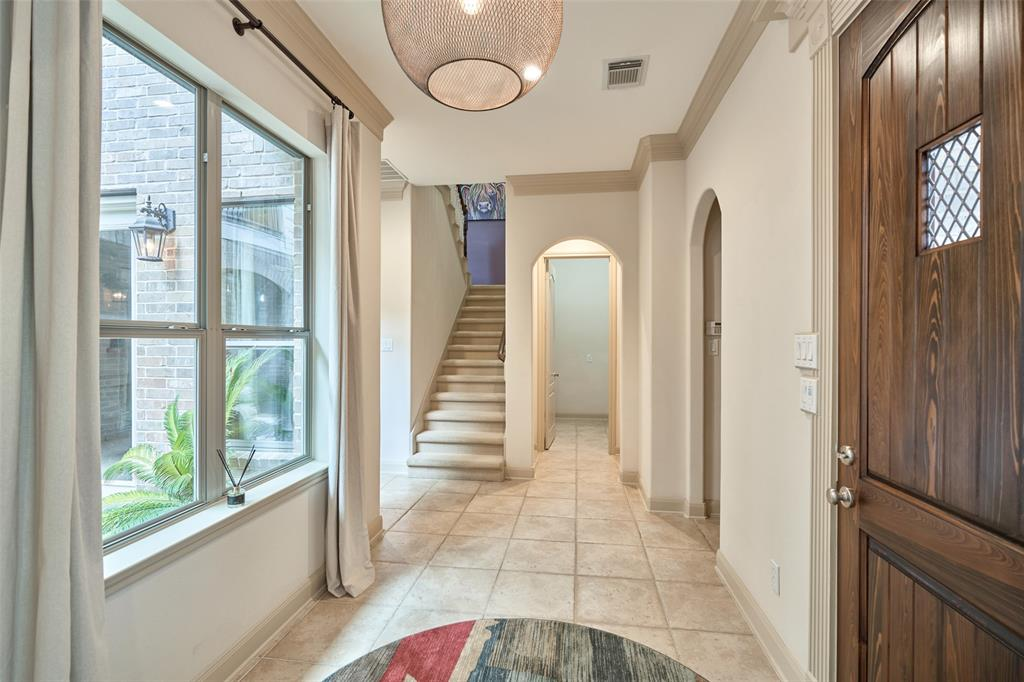 Pending | 66 Mill Point Place The Woodlands, Texas 77380 5
