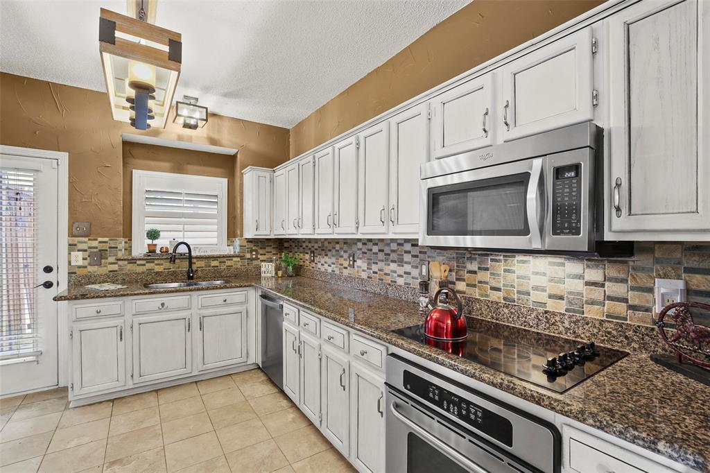 Dallas Real Estate | 7646 Chadwick  Court Dallas, TX 75248 11