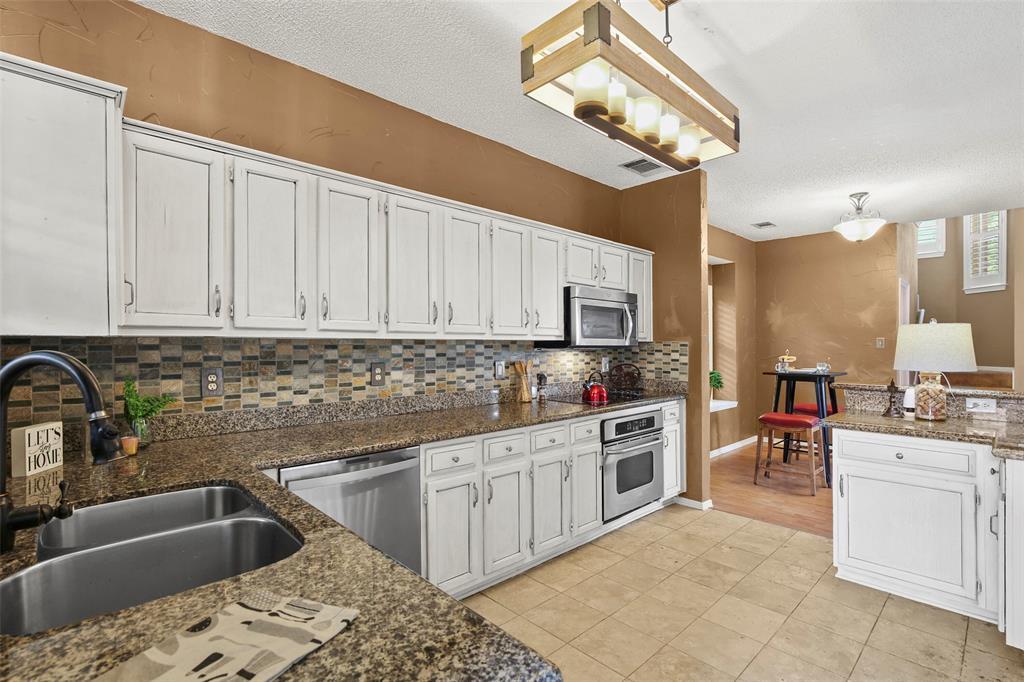 Dallas Real Estate | 7646 Chadwick  Court Dallas, TX 75248 12