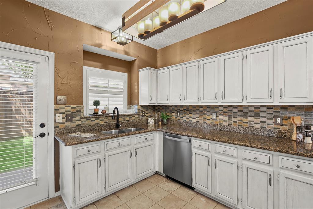 Dallas Real Estate | 7646 Chadwick  Court Dallas, TX 75248 13
