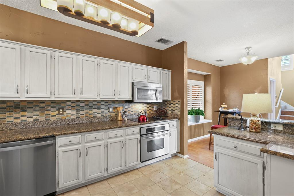 Dallas Real Estate | 7646 Chadwick  Court Dallas, TX 75248 14