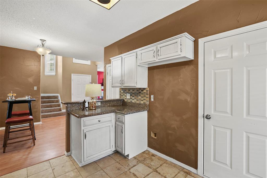Dallas Real Estate | 7646 Chadwick  Court Dallas, TX 75248 15
