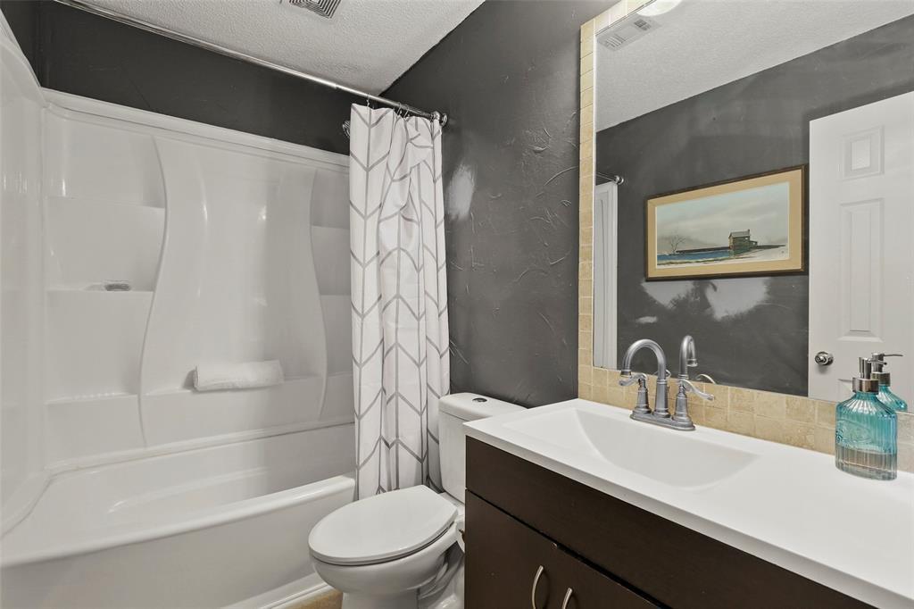 Dallas Real Estate | 7646 Chadwick  Court Dallas, TX 75248 25