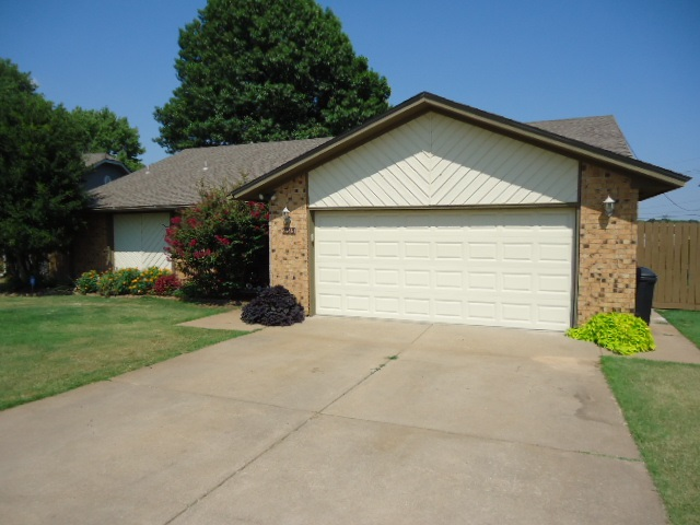 Sold Intraoffice W/MLS   2313 Glenmore Place Ponca City, OK 74601 2