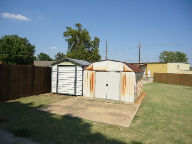 Sold Intraoffice W/MLS | 2313 Glenmore Place Ponca City, OK 74601 8