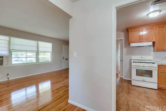 Active Under Contract   1046 Ford  Street Corona, CA 92879 10
