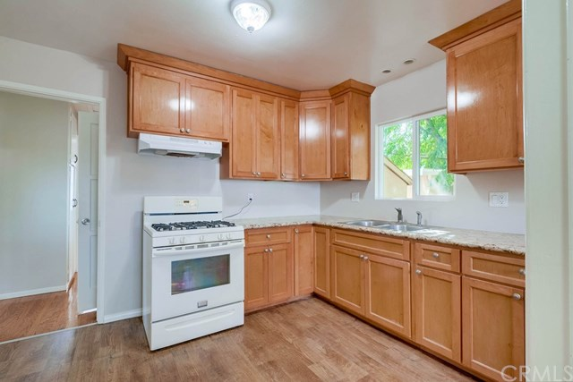 Active Under Contract   1046 Ford  Street Corona, CA 92879 11