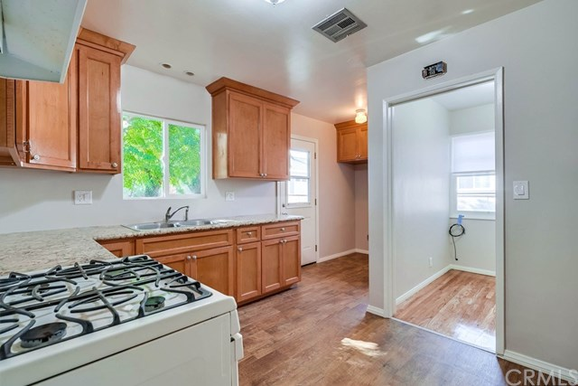 Active Under Contract   1046 Ford  Street Corona, CA 92879 13