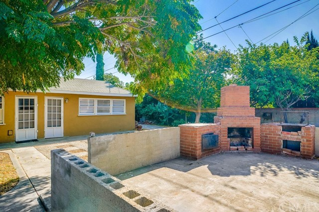 Active Under Contract   1046 Ford  Street Corona, CA 92879 24