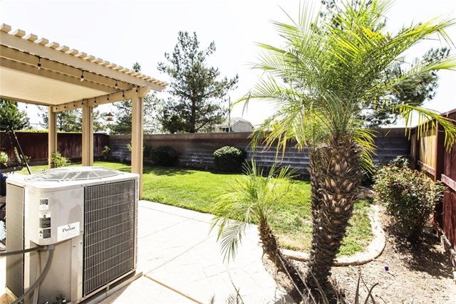 Closed | 1489 Freesia  Way Beaumont, CA 92223 31
