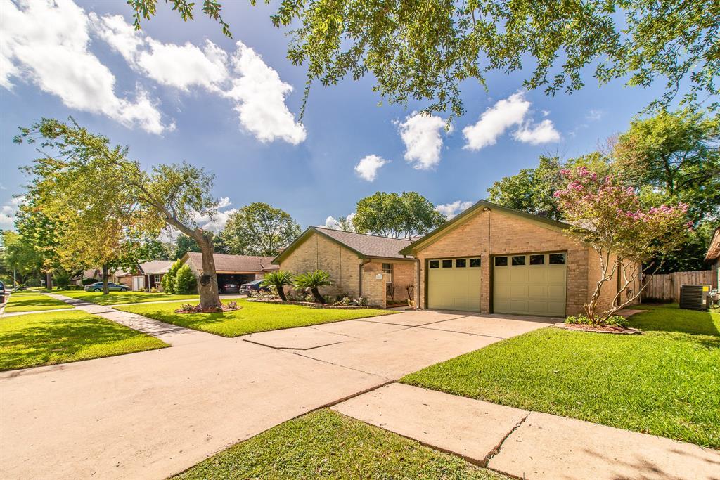 Active   9207 Benning  Drive Houston, TX 77031 6