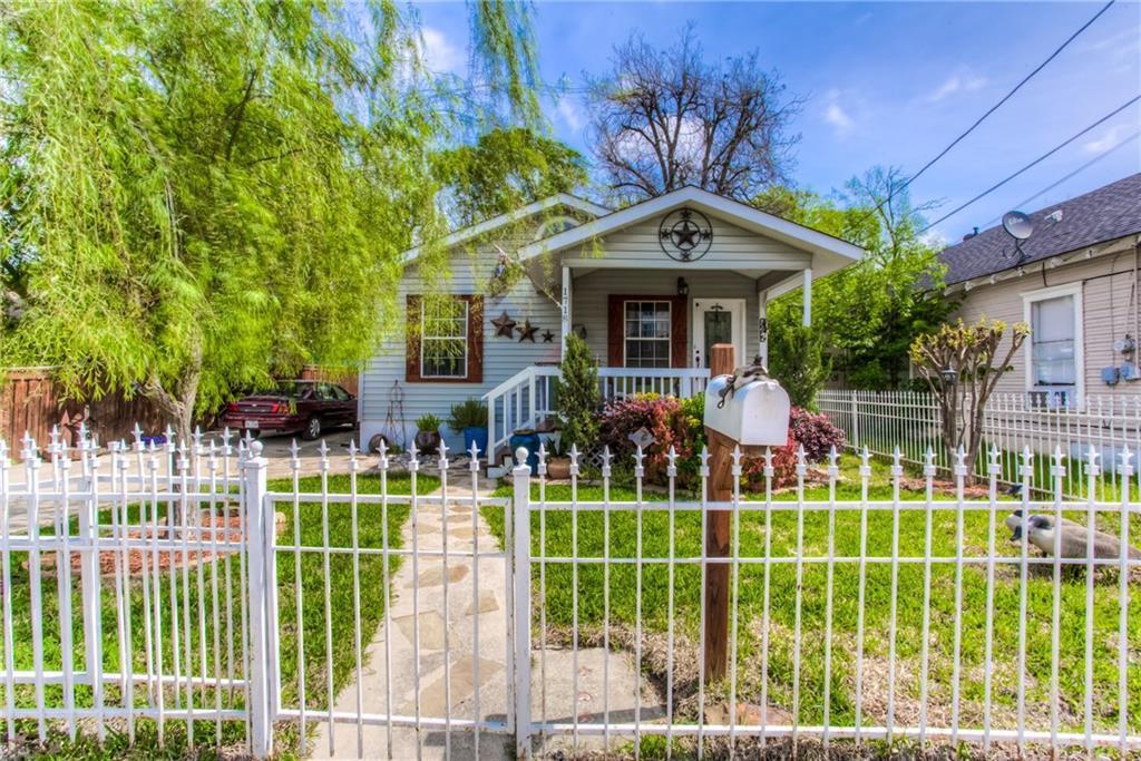Sold Property | 1718 Ripley Street Dallas, Texas 75204 2