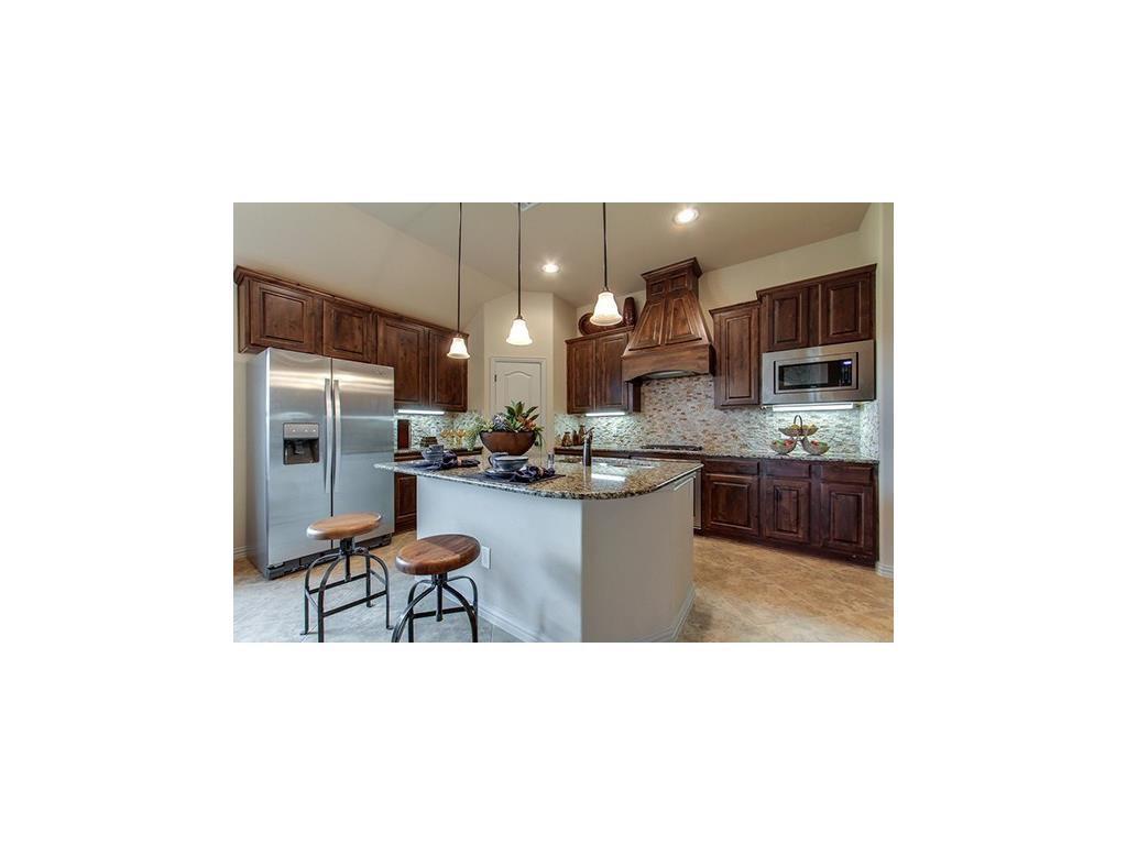 Leased | 2700 Hammock Lake Drive Little Elm, Texas 75068 2