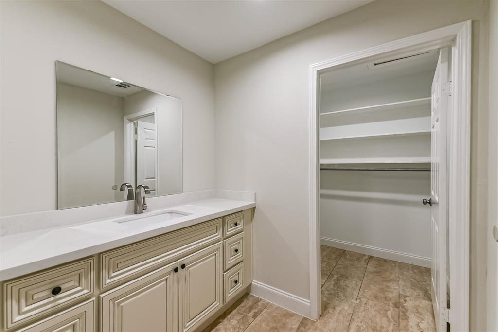 Active   34 S High Oaks  Circle The Woodlands, TX 77380 15
