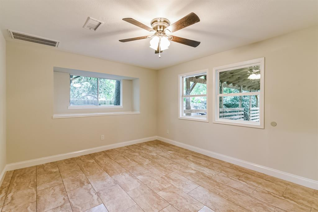 Active   34 S High Oaks  Circle The Woodlands, TX 77380 18