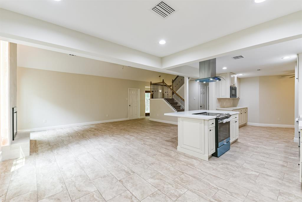 Active   34 S High Oaks  Circle The Woodlands, TX 77380 20