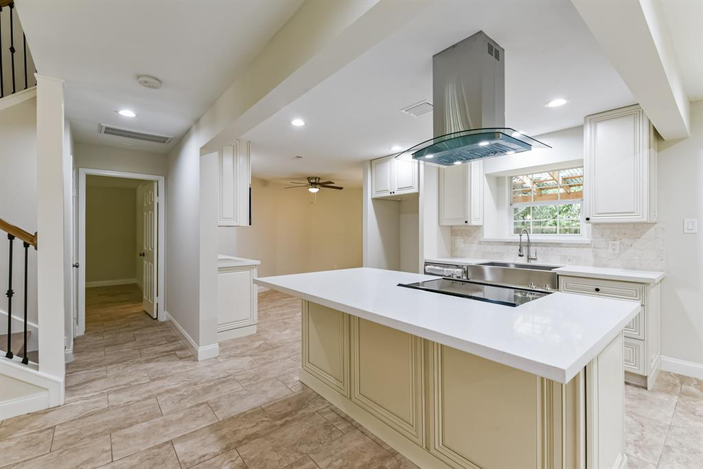 Active   34 S High Oaks  Circle The Woodlands, TX 77380 22