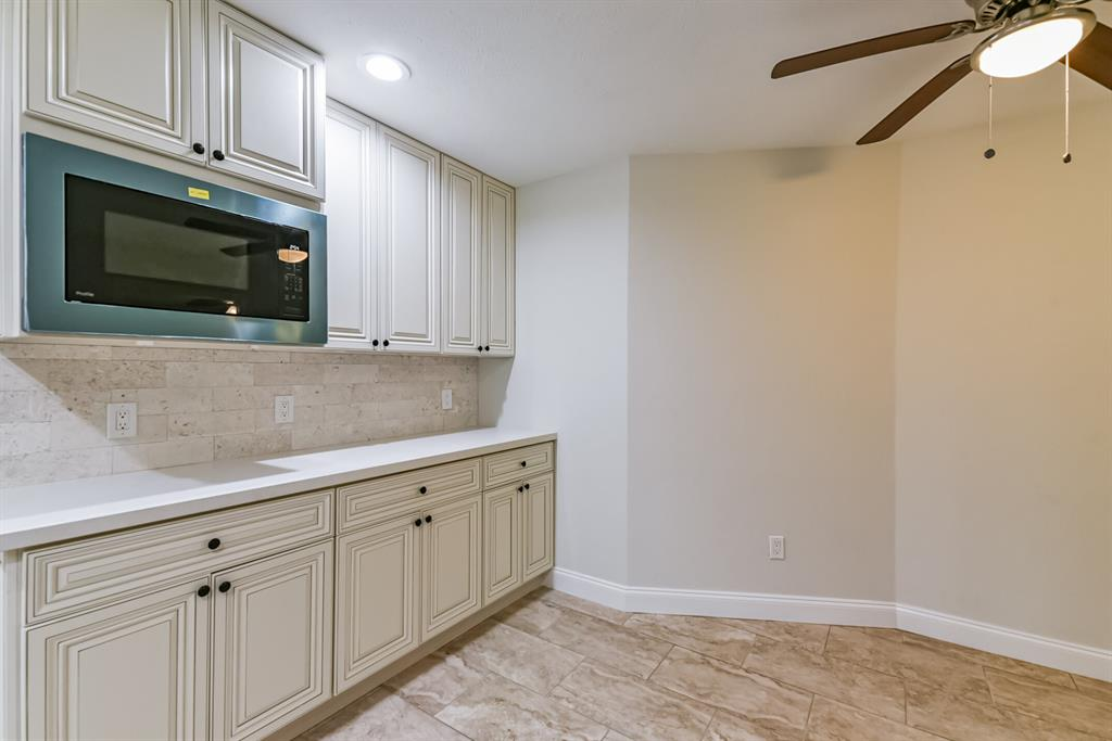 Active   34 S High Oaks  Circle The Woodlands, TX 77380 26