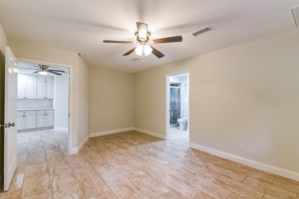 Active   34 S High Oaks  Circle The Woodlands, TX 77380 33