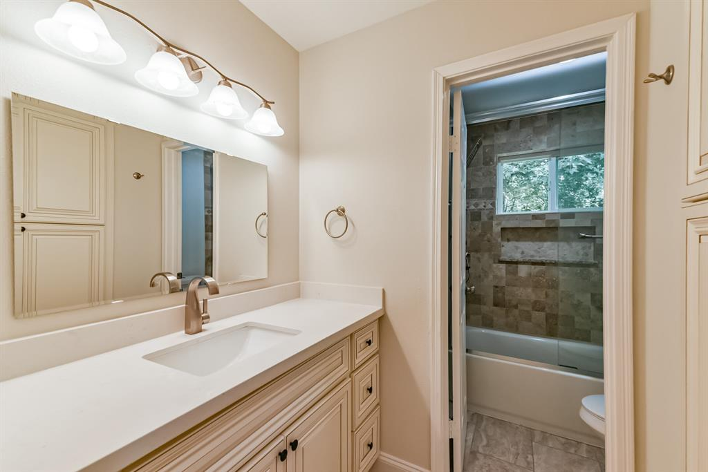 Active   34 S High Oaks  Circle The Woodlands, TX 77380 40