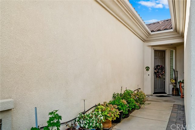 Active | 1593 Autumn Court Beaumont, CA 92223 3