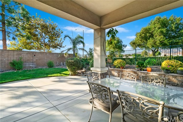 Active | 1593 Autumn Court Beaumont, CA 92223 22