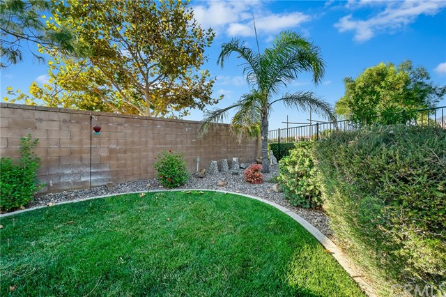 Active | 1593 Autumn Court Beaumont, CA 92223 25