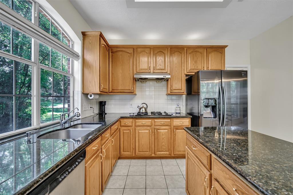 Active | 155 W Sterling Pond Circle The Woodlands, TX 77382 17