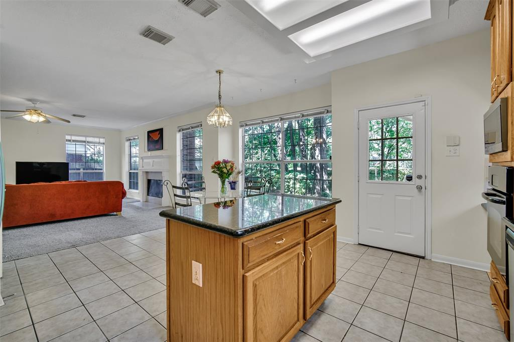 Active | 155 W Sterling Pond Circle The Woodlands, TX 77382 19