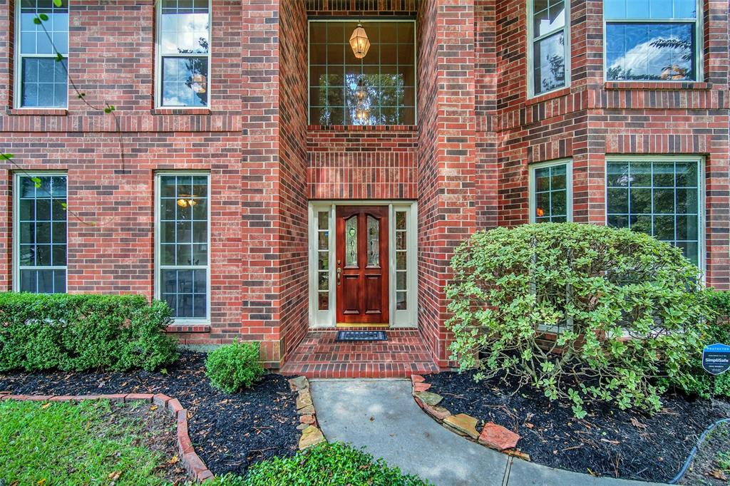 Active | 155 W Sterling Pond Circle The Woodlands, TX 77382 3