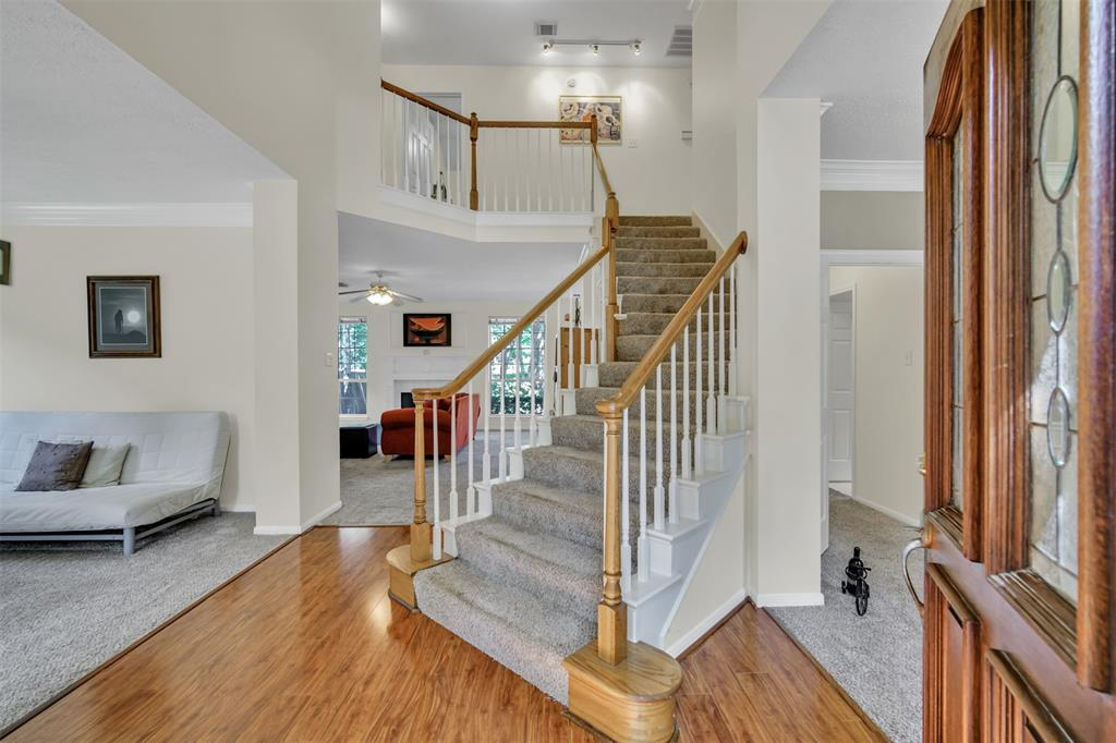 Active | 155 W Sterling Pond Circle The Woodlands, TX 77382 4