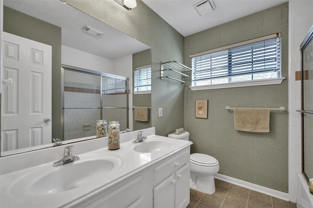 Active | 155 W Sterling Pond Circle The Woodlands, TX 77382 44